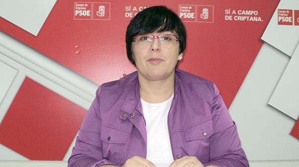 Fotografía de Carmen Teresa Olmedo en rueda de prensa