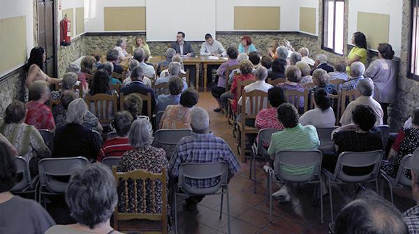 Fotografía del pleno municipal celebrado en Luciana